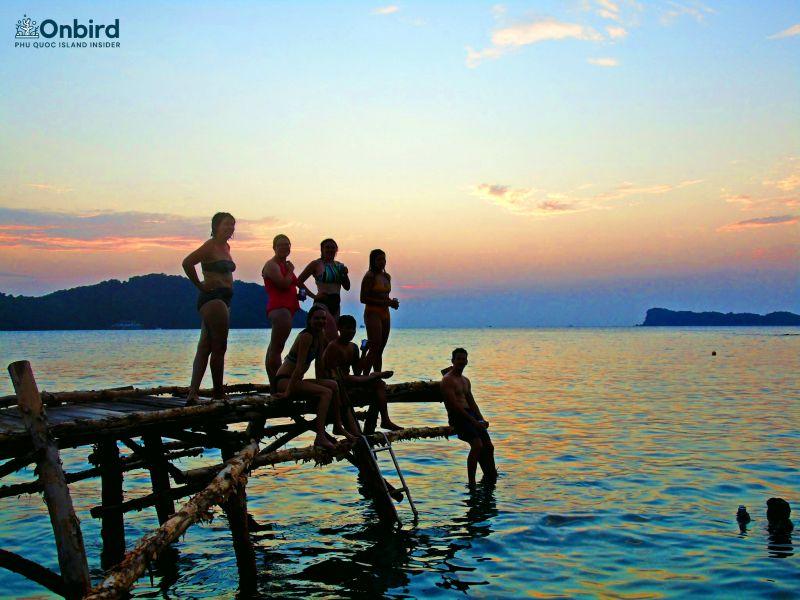 欢迎黄昏于荒岛- 富国岛旅行 - 富国岛出海 - May Rut Trong岛